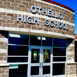 Image of the front of Othello High School